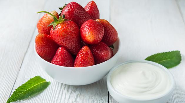 manfaat-buah-strawberry-untuk-kecantikan-kulit-dan-rambut.png