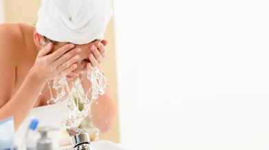 side-tips-merawat-wajah-dengan-sabun-pembersih-yang-tepat.png