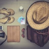 skincare-yang-harus-dibawa-saat-traveling-min.jpg