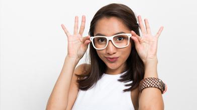 clean-and-clear-tips-supaya-wajah-nggak-belang-karena-kacamata-thumbnail.png
